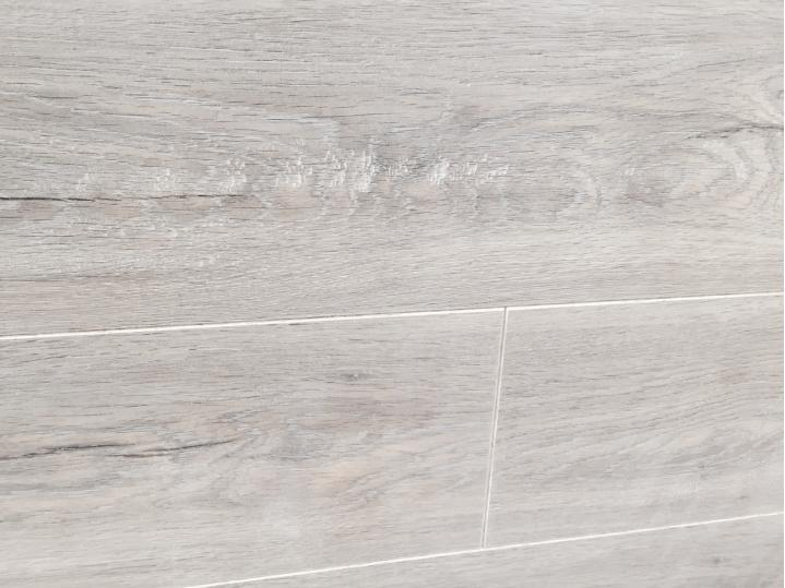 Lifestyle Chelsea Extra 8mm Laminate - Feature Oak image